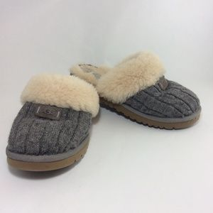 Ugg gray sweater knit & fur mules slides slippers